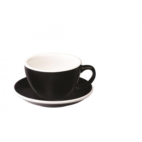 Latte kavos puodelis su lėkštute KIAUŠINIS